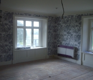 wallpapering-to-private-home